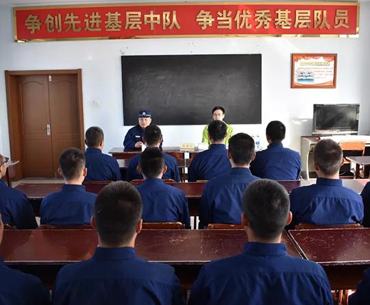 2019年付宇辰为黑龙江省森林消防总队麦海驻防点普法授课